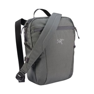 Arcteryx  Slingblade 4 Shoulder Bag in Pilot