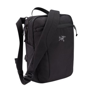Arcteryx  Slingblade 4 Shoulder Bag in Black