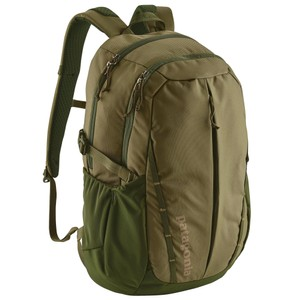 Patagonia Refugio Pack 28L in Fatigue Green