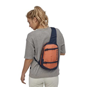 Patagonia Atom Sling 8L in Classic Navy/Mellow Melon