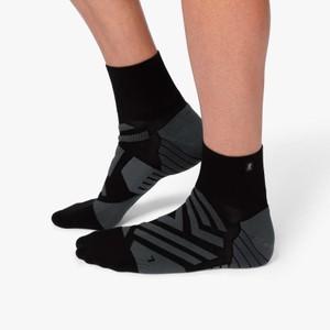 On Running Mid Sock Mens in Black/Shadow