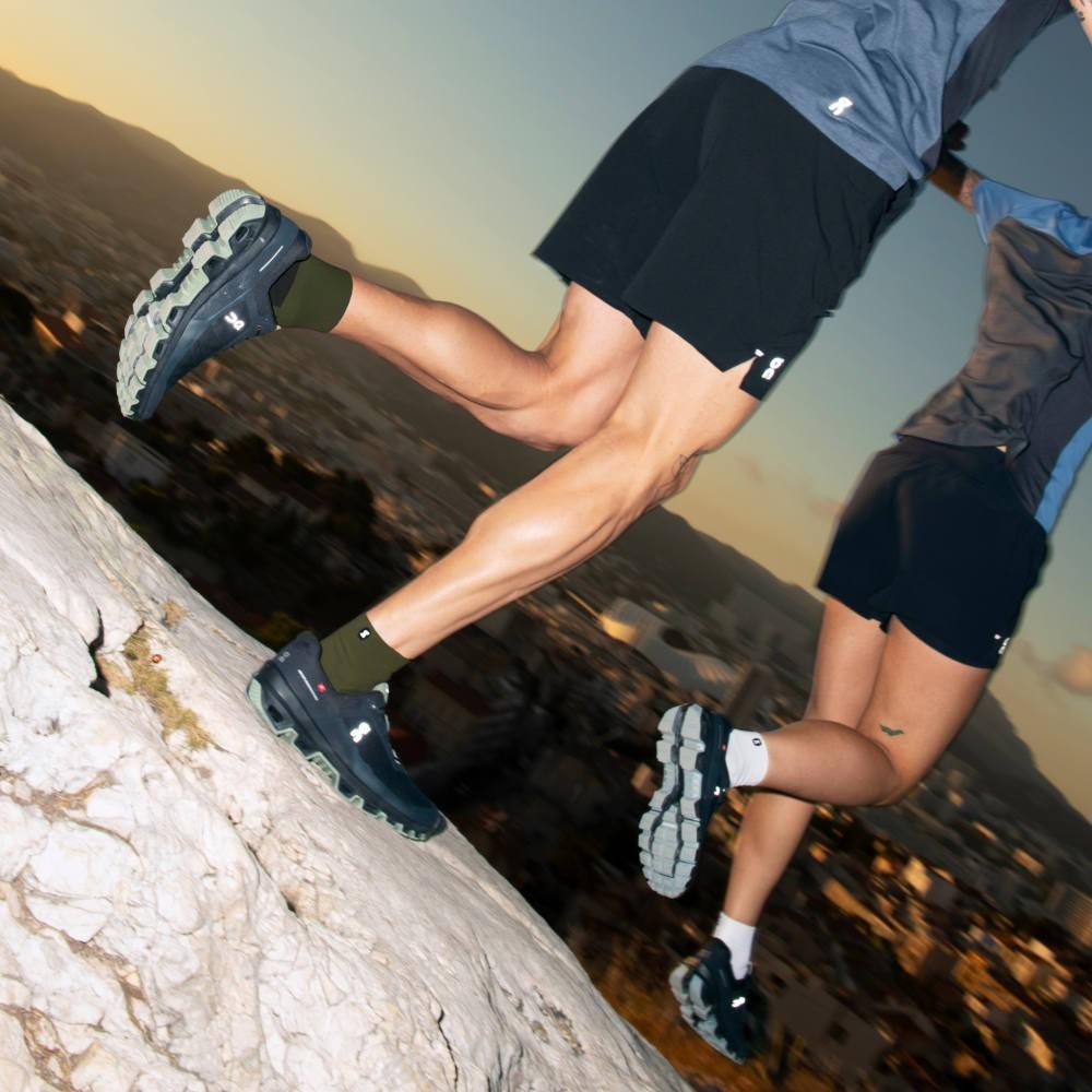 On Running Cloudventure Mens Black/Reseda