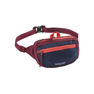 Patagonia LW Travel Mini Hip Pack in Arrow Red