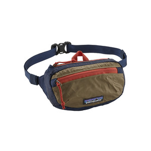 Patagonia LW Travel Mini Hip Pack in Classic Navy/Mojave Khaki